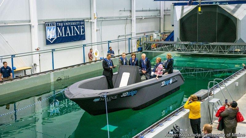 3D打印制造大型化:美国花72小时造出8米长巡逻艇