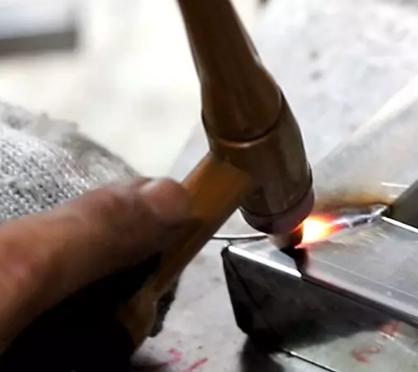 点焊和拉焊的区别