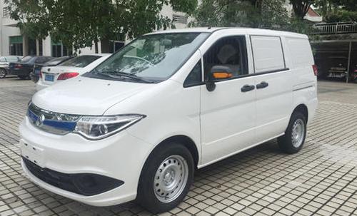 恭喜宝安区张先生喜提新能源面包车!