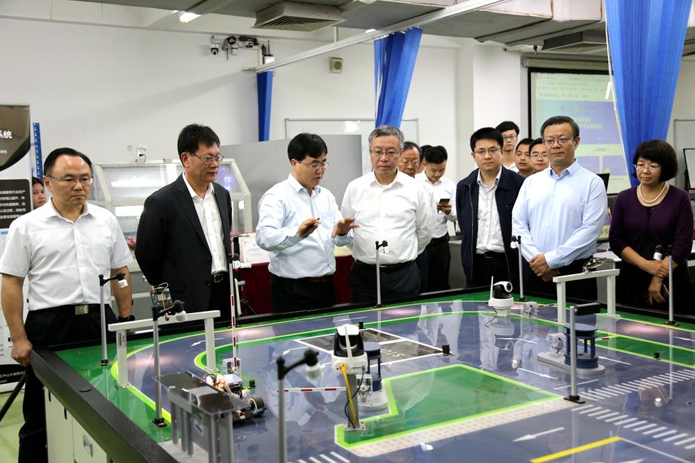 教育部教师工作司司长任友群访问广东技术师范大学