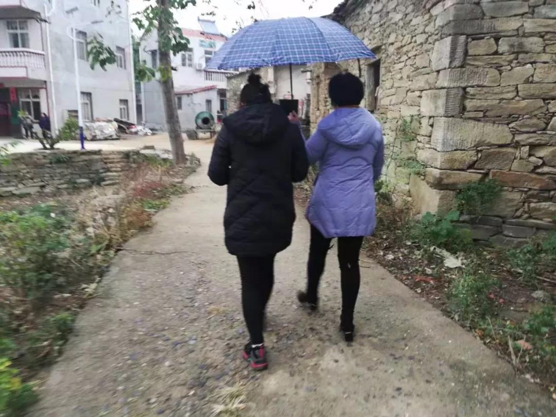 不论风雨严寒,我们都在路上