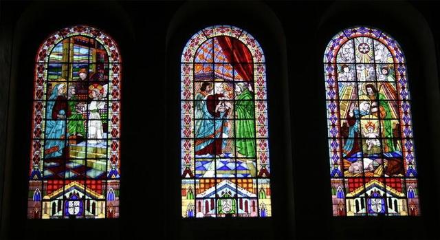 彩色玻璃与彩绘玻璃