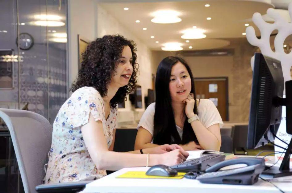 英国提赛德大学连续三次荣获人力投资金奖