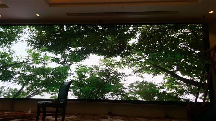 佛山市顺德福庆居红木城P2.5室内全彩屏专用20*40方通(奥马哈)