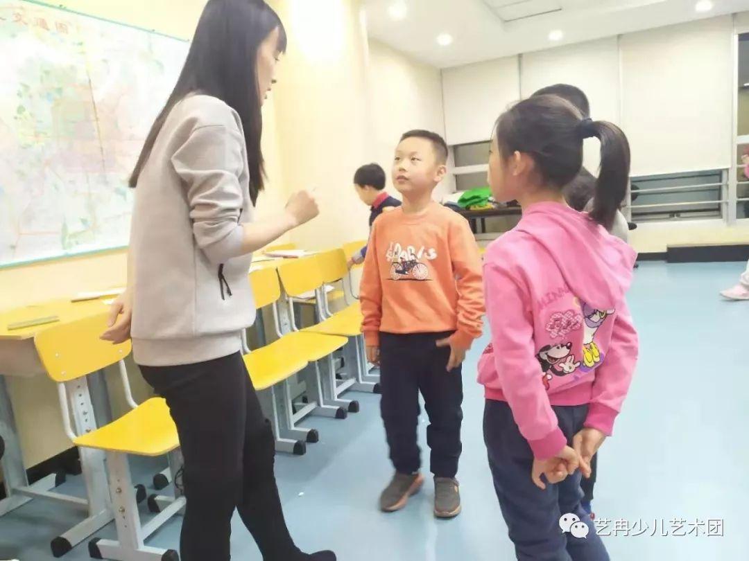 """如何做一个""""会说话""""的孩子,艺冉少儿艺术培训平台来告诉您!"""