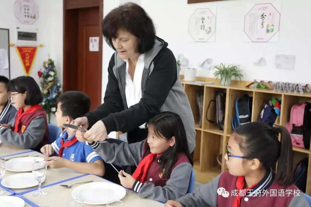 祝贺成都王府授牌成为成都市国际理解教育课程研究实验学校