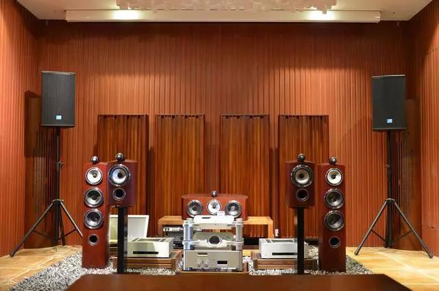 为什么现在的年轻人都不喜欢音响了,还有人钟情于黑胶唱片呢?