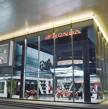 印尼雅加达HONDA 专卖店