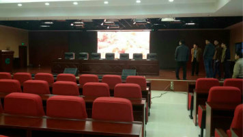 岳阳市临湘市第一中学LED室内屏专用P3.91室内租赁箱体