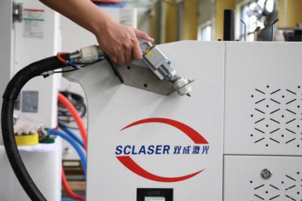 哪些因素会影响光纤激光焊接机的焊接速度
