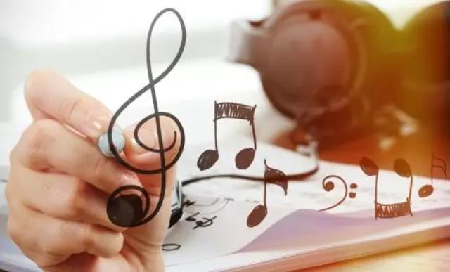 白岩松对儿子说:你爱上音乐,我便放心