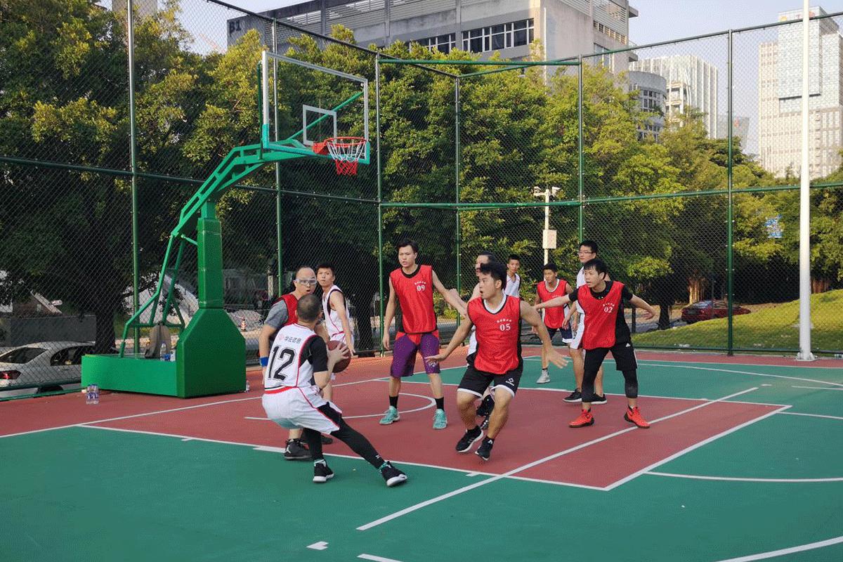 """华云信息角逐第一届""""创新杯""""篮球联赛小记"""