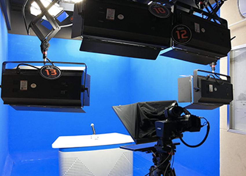 蚌埠工艺美术学校选择KXWELL广播级智能化拍摄系统