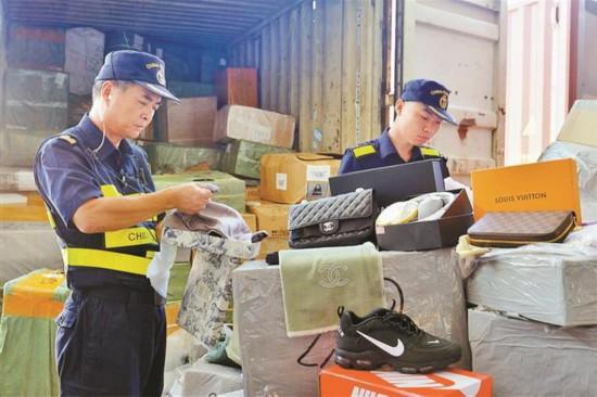 深圳海關去年查扣涉嫌侵權貨物1398萬余件
