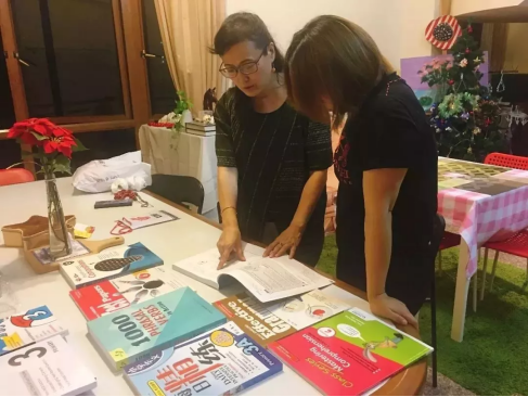 新加坡关爱寄宿家庭