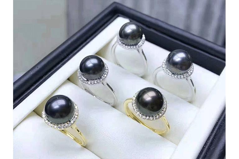 大溪地黑珍珠,送你一颗颗五彩斑斓的黑