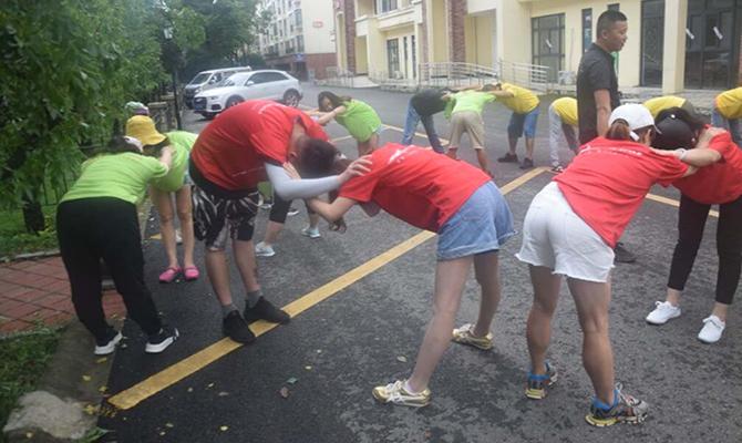 贵阳宝尚体育用品成都分公司团队拓展训练