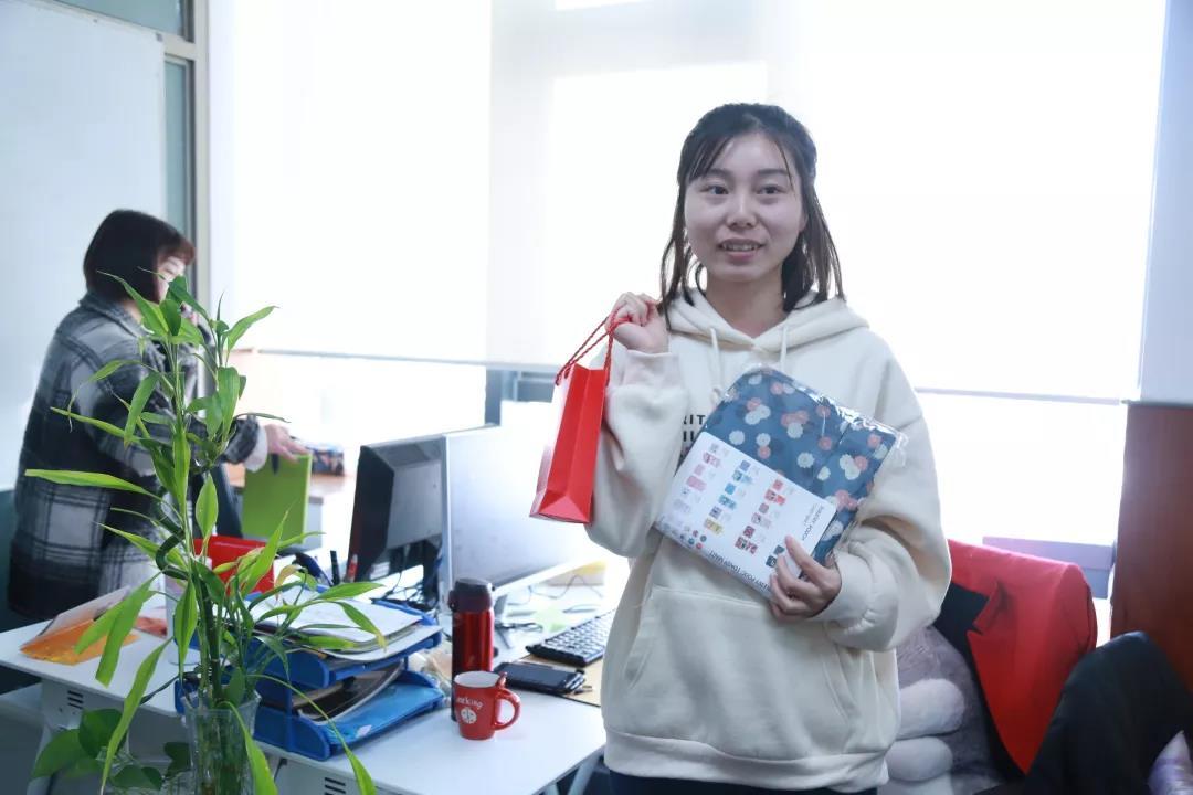 【人物志 第十期】钟萍萍:脚踏实地,撑起一片属于自己的天空!
