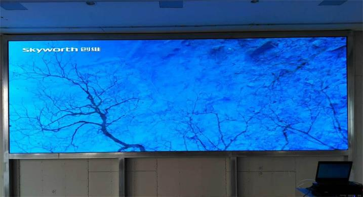 宁德市民族中学会议室LED高清显示屏专用P1.923租赁全彩(奥马哈)