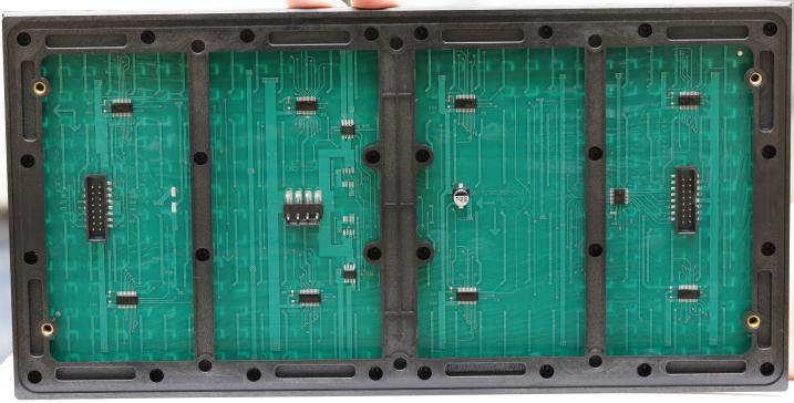 普宁市流沙中学LED门头条屏专用P10半户外表贴红(奥马哈)