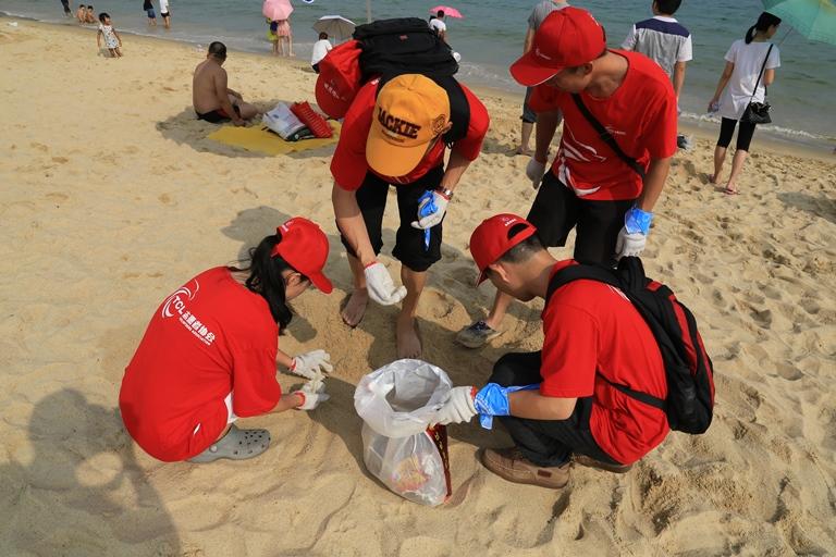 清洁海洋,海好有你--华星光电百名志愿者参加国际海洋清洁日公益活动