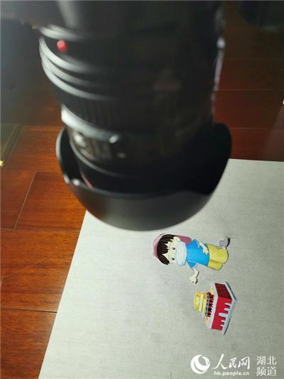 武汉高校00后大学生制作战疫动画片 为武汉加油助力