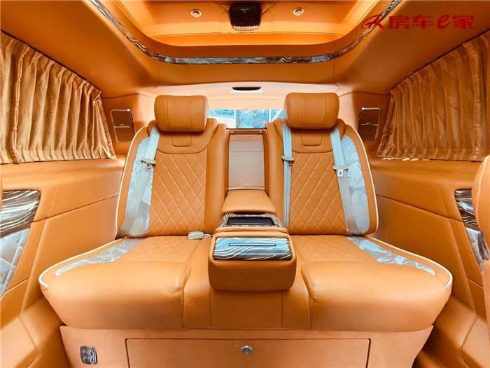 奔驰 V260爱马仕版7座高顶不隔断橙色