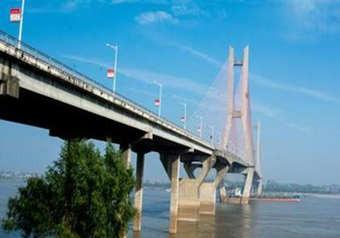 水上施工通航安全保障方案编制案例_以跨越航道通航安全项目为例
