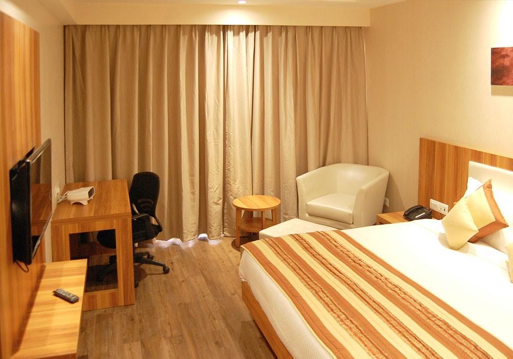 Le Roi Hotel