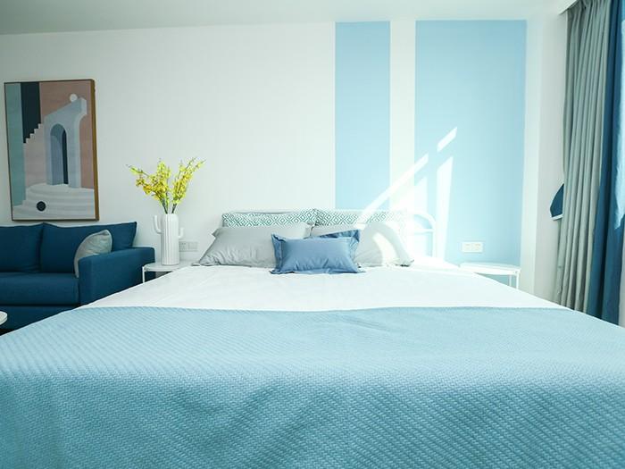 Minimalist Style Blue Series