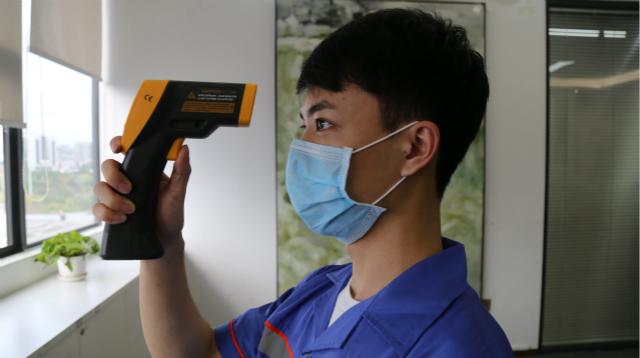 疫情期间,左右手平台颁布《安装师傅上门服务标准规范》
