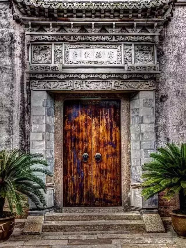 要建别墅先看看门是怎么回事?老祖宗对门的理解