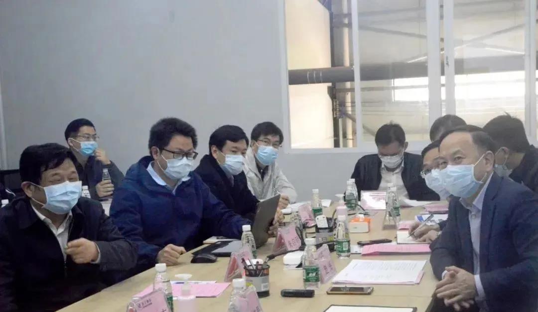 我司董事长陪同佛山市领导考察轻子纳米纤维口罩滤膜设备