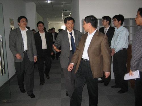 上海电器集团徐建国董事长一行到睿励调研