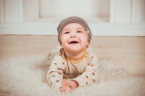怎么让羊奶粉喂养的宝宝爱上喝水?