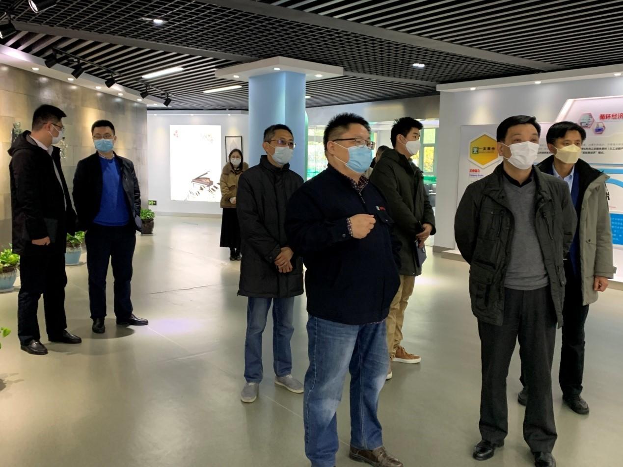 滨江经济开发区万振华书记调研一夫科技
