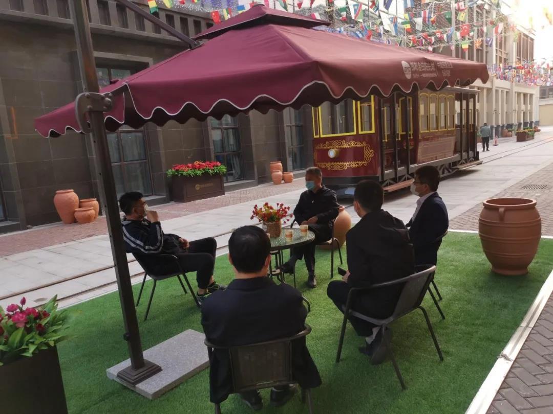 邯郸市肥乡区委书记赵洪山一行调研邯郸金田阳光城,金位海主席热情接待