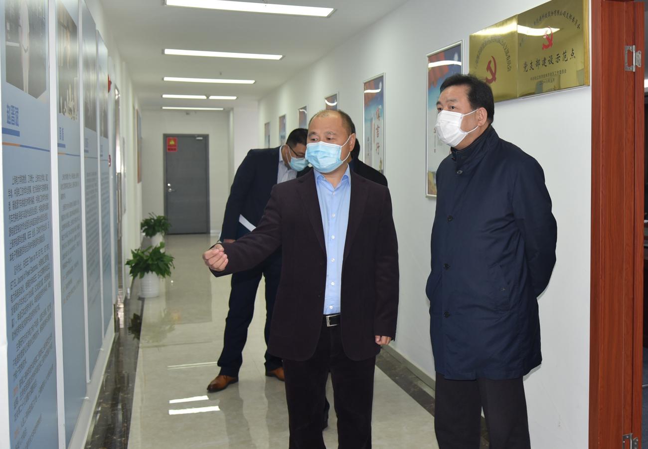 区政协刘其龙主席慰问调研委员企业