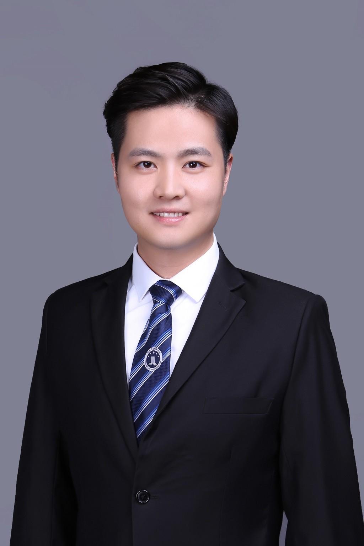 冯奕锦 律师