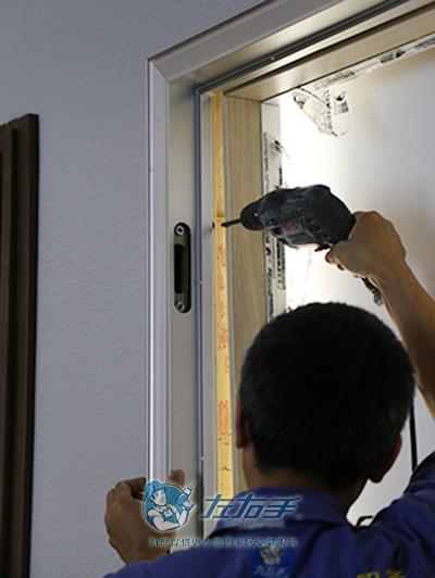 钢木复合门安装
