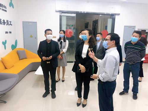 罗湖区委常委、统战部部长吴欢一行赴真迈生物调研