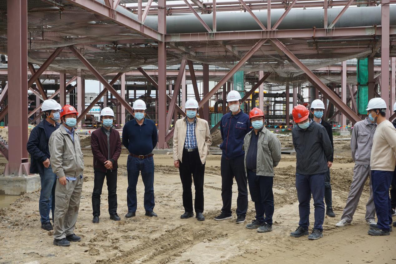 华丰中天LNG储配站项目两座储罐土建主体结构通过验收