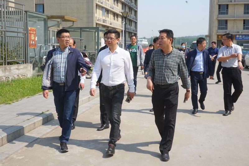 long8龙8首页物流董事长苏华率队开展五一劳动节前安全生产大检查