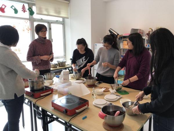 """小烘焙、大乐趣 ——基础设施投资公司组织""""三八""""妇女节活动"""