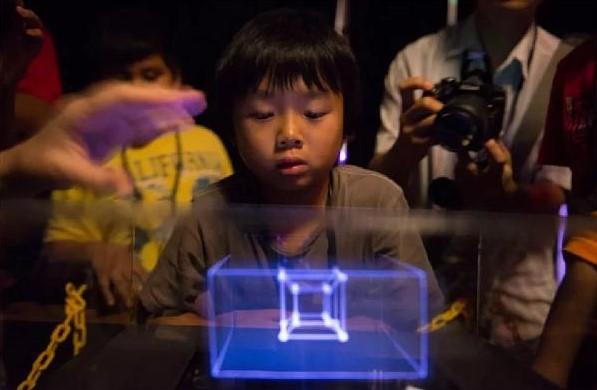 WOW历害了,全球首台3D立体成像显示屏