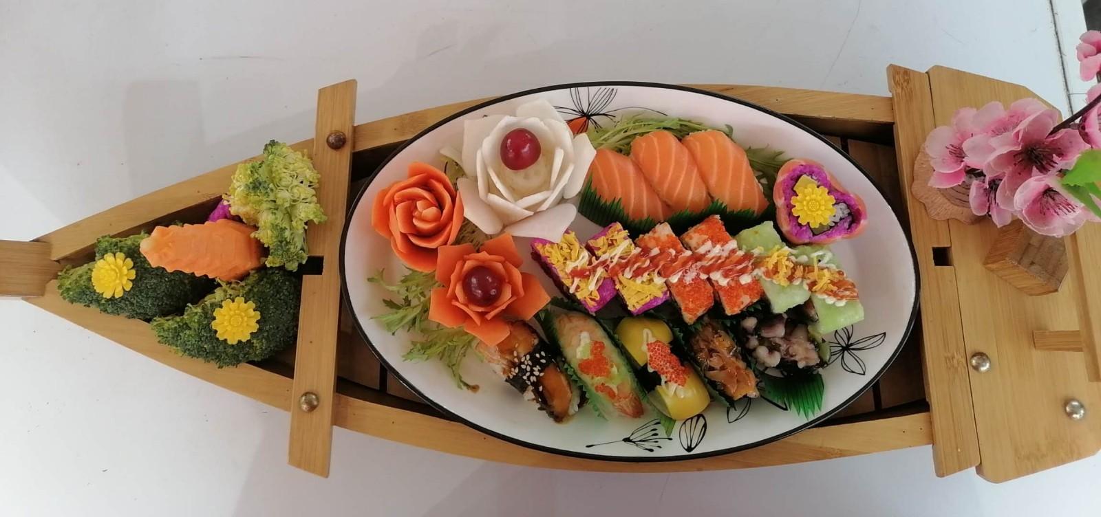 第二届'母亲节杯'禾古寿司技能大比拼 作品(长江购物广场)