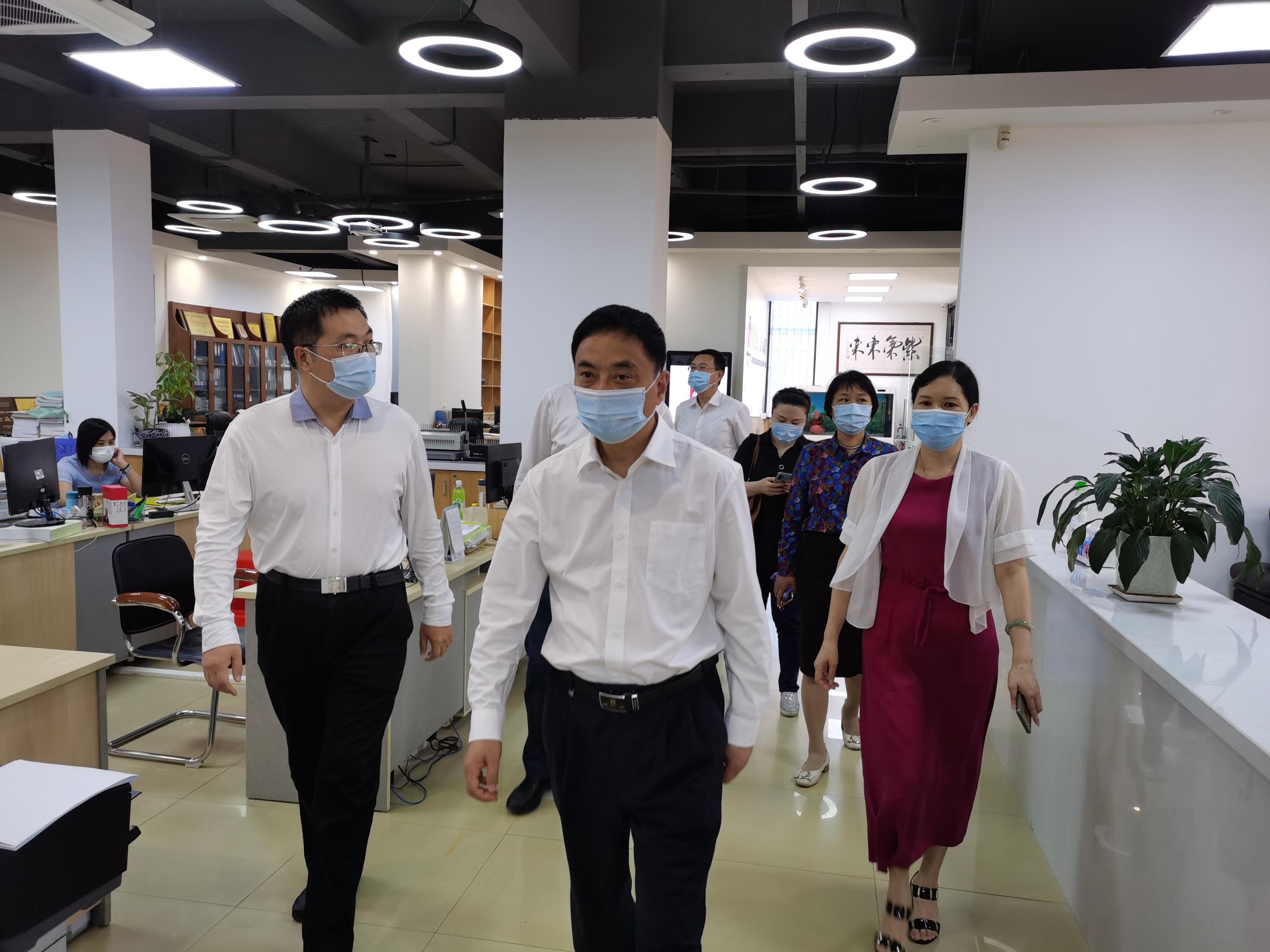 区人大李广杭主任莅临我司调研防疫抗疫、复工复产工作