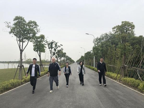 基础设施公司举办秋季绿色环保健康行活动