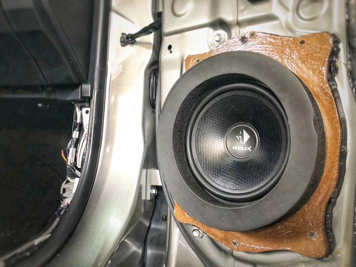 凌志RX350升级德国HELIX音响,创造与众不同的新世界