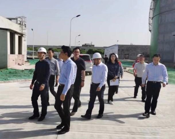 无锡市副市长、江阴市市委书记王进健一行调研江阴LNG项目